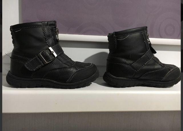 Демисезонные ботинки Carters
