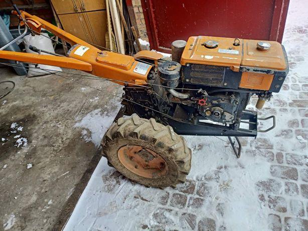 Продам тракторець