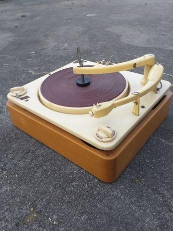 Gira-discos antigo Collaro Conquest