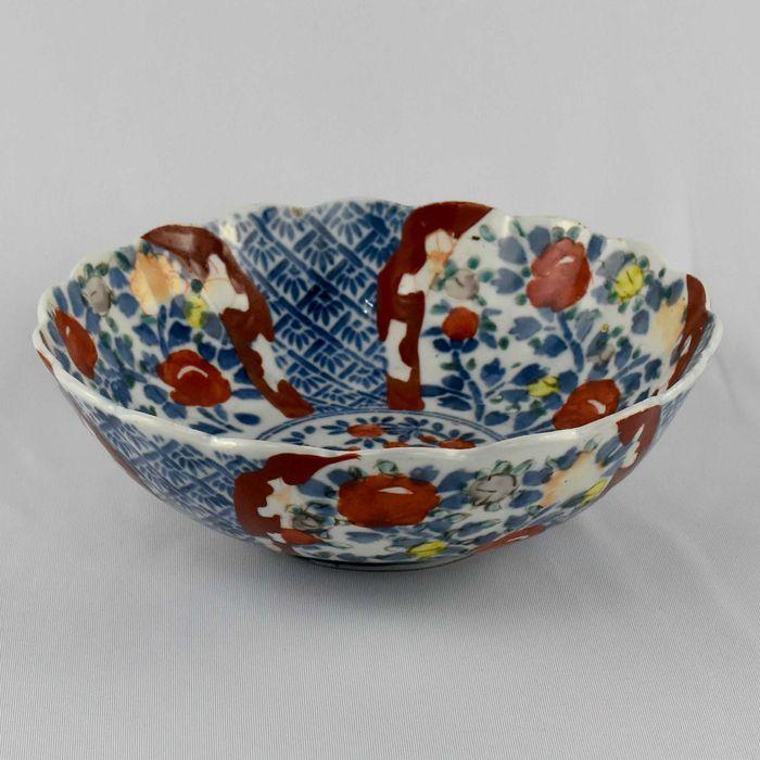 Taça porcelana do Japão, decoração Imari, Período Meiji – séc. XIX