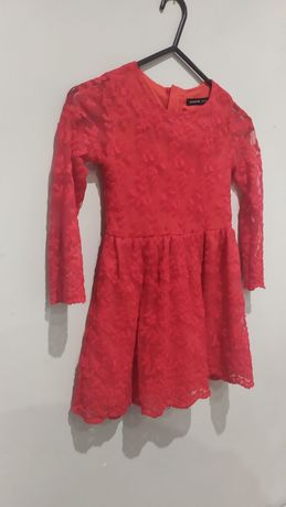 Sukienka czerwona elegancka