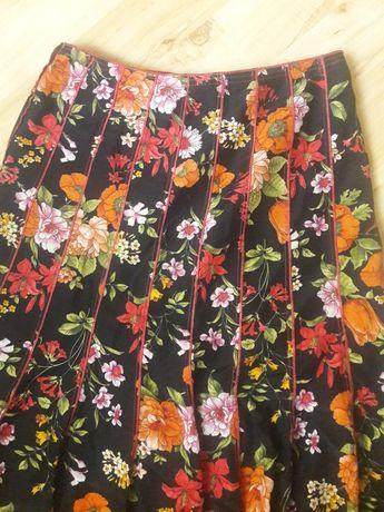 Spódnica czarna w kwiaty