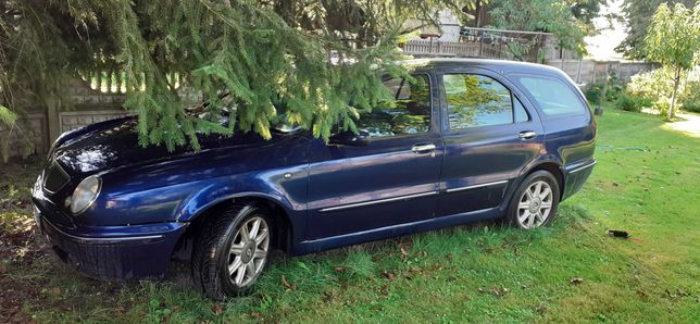 Lancia Lybra 1.9 do jazdy lub na części
