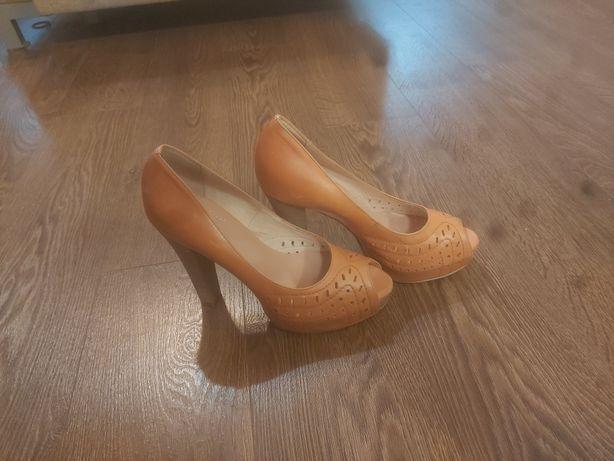 Buty firmy Gina Piacci