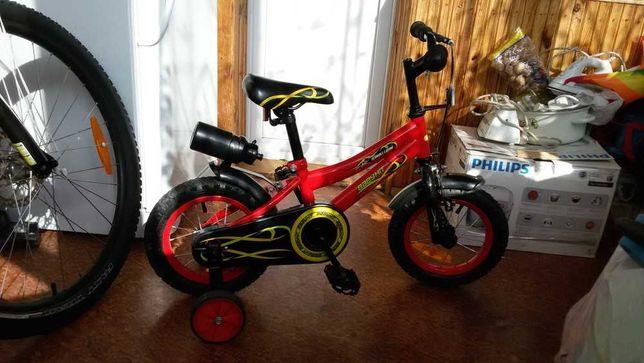 Детский велосипед (колеса 12 д, вес 8.5 кг)