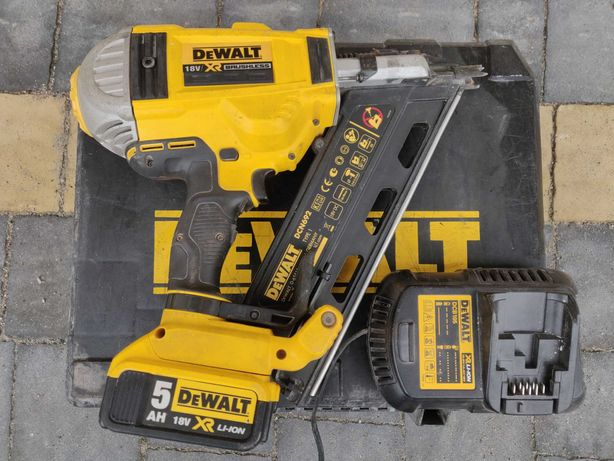 Gwoździarka DeWalt 18V