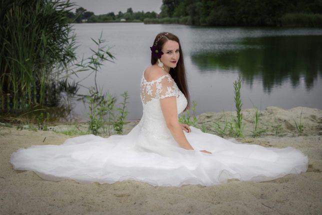 Suknia ślubna Agnes 18115T