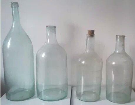 Бутыли стеклянные старинные для напитков
