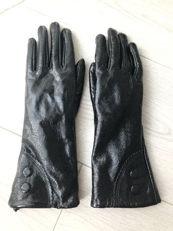 Перчатки кожаные лаковые