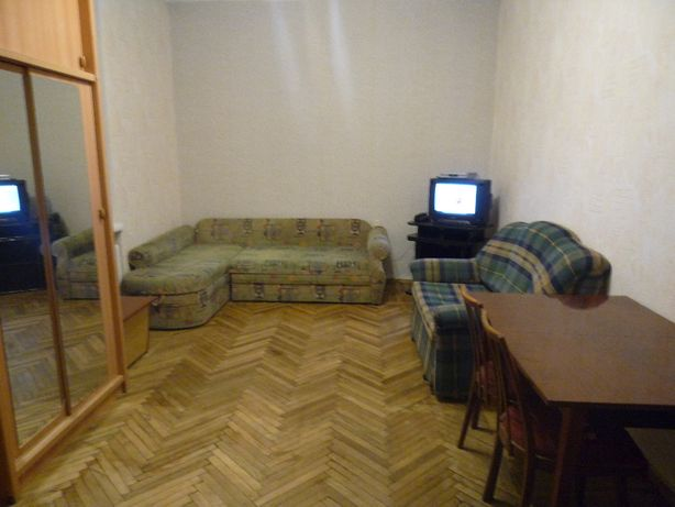 Хозяйка сдаст комнату с ремонтом в 2-комнатной квартире на Печерске