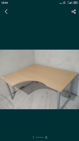 Narbutas: Стол для школьника: (Прибалтика) (1000.00)