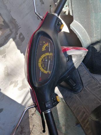 Продам скутер Qingqi 50куб. Китай