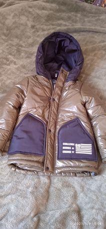 Нова весняна курточка 110 р