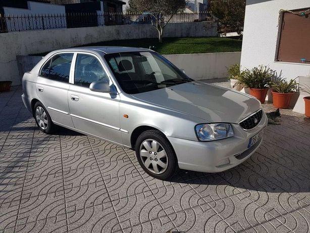 Hyundai Accent 2002 cinza a gasolina (LER DESCRIÇÃO)