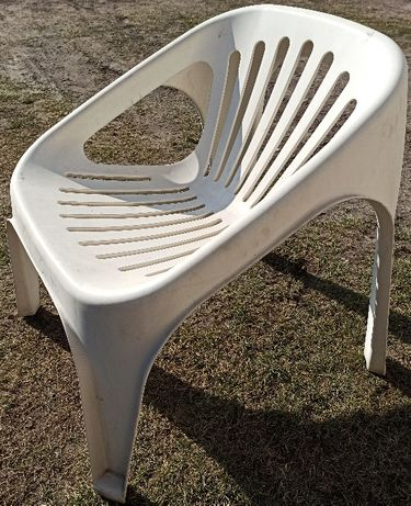 Krzesła plastikowe ogrodowe