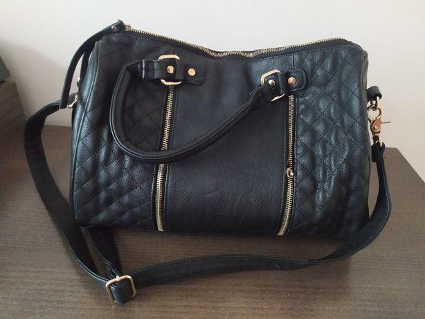Czarna torebka kuferek mohito
