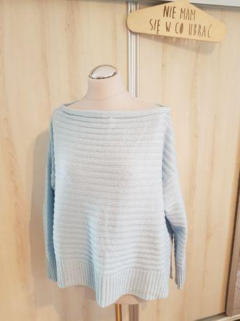 Błękitny sweterek