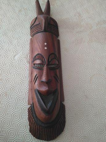 Máscara africana exótica