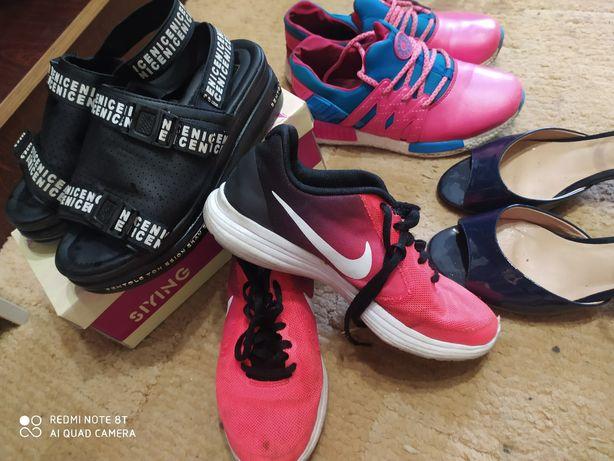 Много обуви 35 Обмен кроссовки , туфли ,шлепки ,кеды