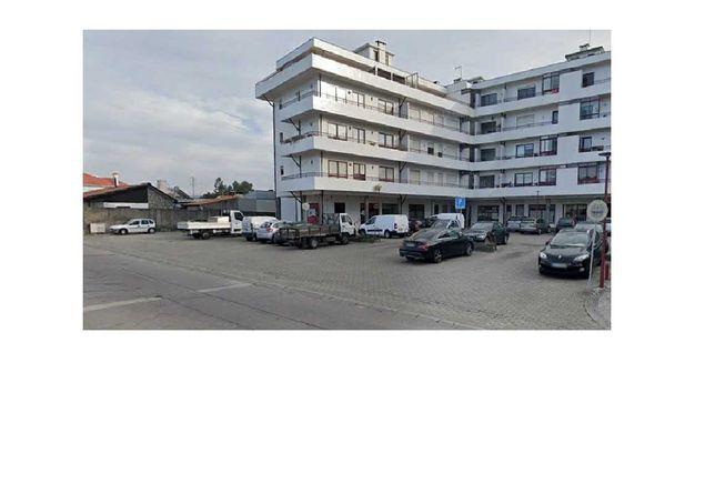 Alugo Apartamento T3 com suite