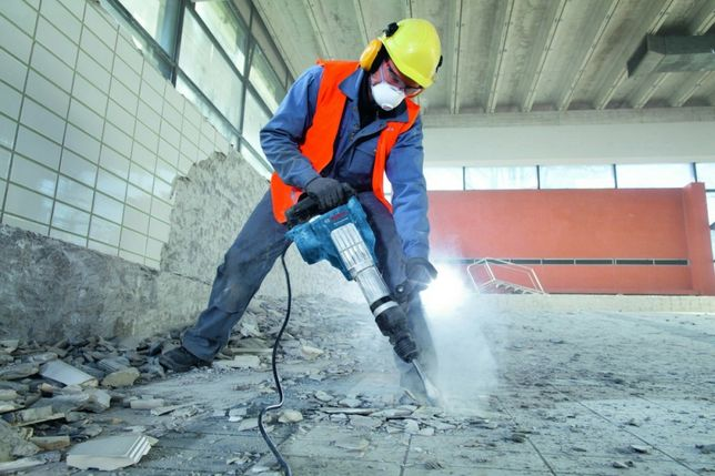 Wyburzanie ścian Skuwanie betonu płytek  Rozbiórka Wyburzenia