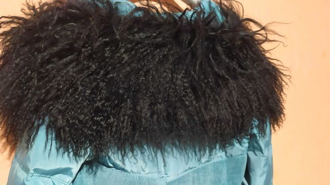 Продам черный натуральный мех ламы большой воротник на куртку