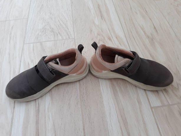 Ботинки кроссовки осенние весна-осень Ессо 28р