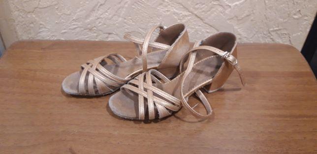 Бальные туфли для тренировок (19 см по стельке)