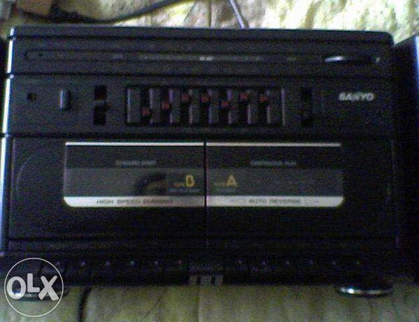 Rádio leitor de cassetes sanyo m w242 (como novo)