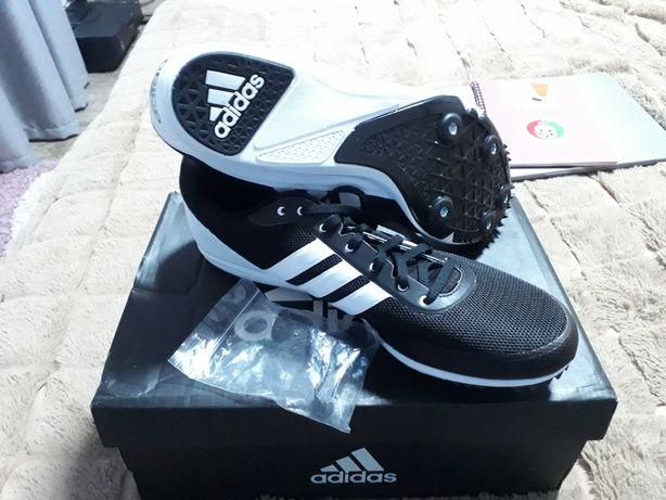 Шиповки adidas для бігу