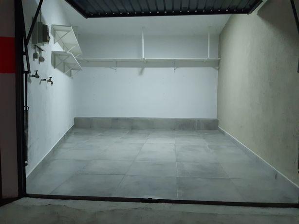 Garagem Box 15m2 em Linda-a-Velha