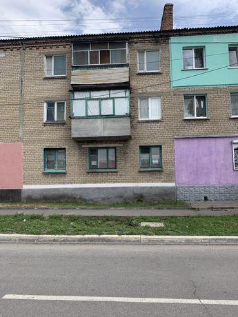Продается квартира под офис, магазин, парикмахерскую, 30 м.кв.,