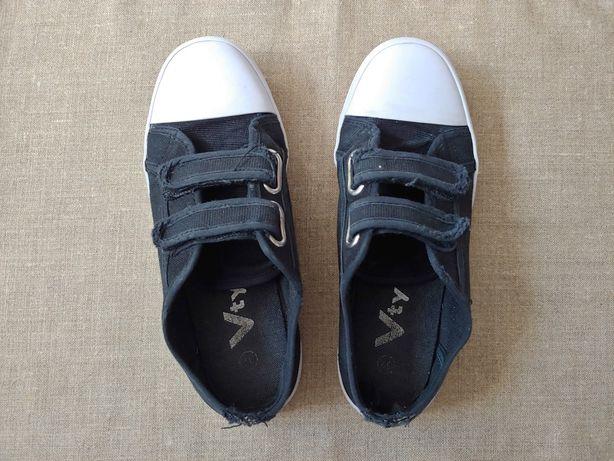 Buty dziecięce na rzepy 32
