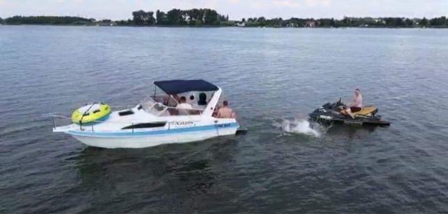 Łódz motorowa kabinowa