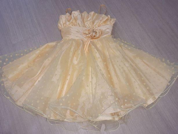 Нарядное платье на выпускной или жень рожденья