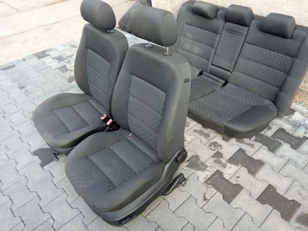 Audi A6 C5 sedan fotele komplet