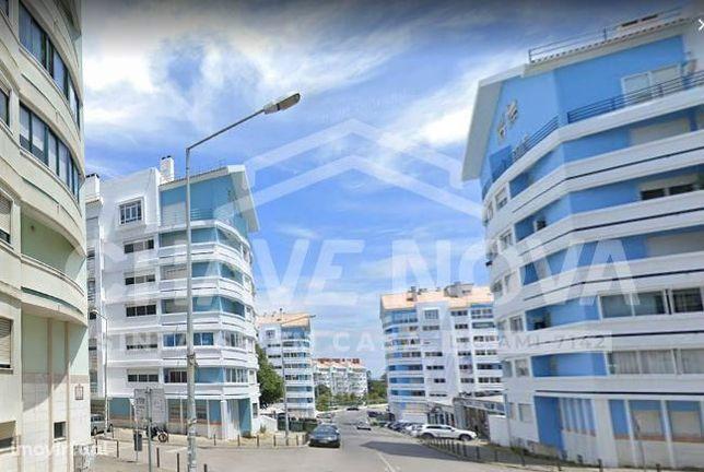Apartamento T2, com garagem no Casal da Cavaleira, Algueirão-Mem Ma...