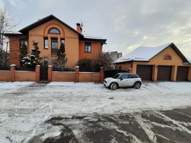 Дом на Печерске вул. Гастелло 450м2…