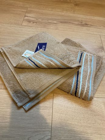 Komplet nowych ręczników 50 x 100 cm