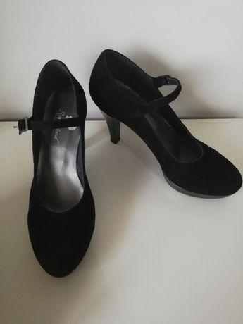 Sapato de senhora preto