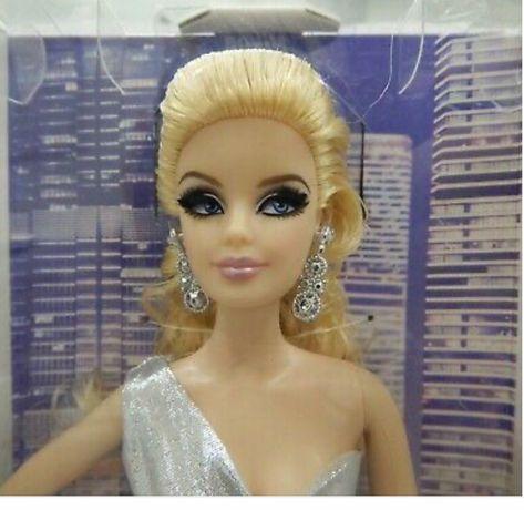 Коллекционная кукла Барби
