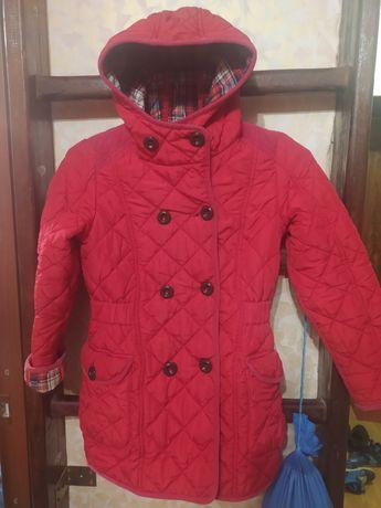 Пальто на девочку 7-9 лет