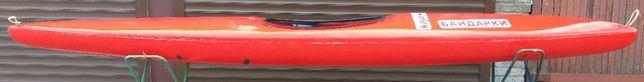 Каяк скоростной, повышенной обитаемости для автономного плавания