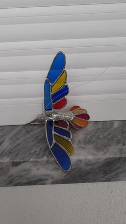 Colibri de vitral e estanho