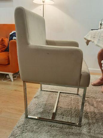 Cadeiras de braços