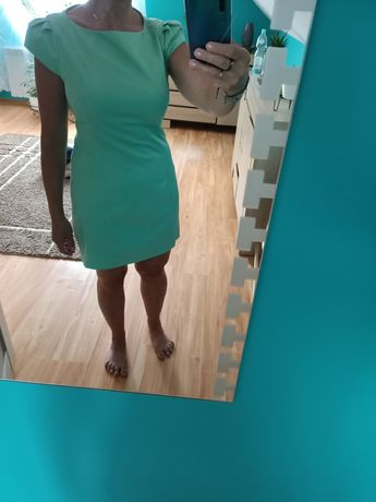 Sukienka ze złotym zamkiem