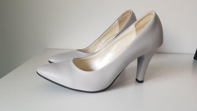 Nowe szare buty 40