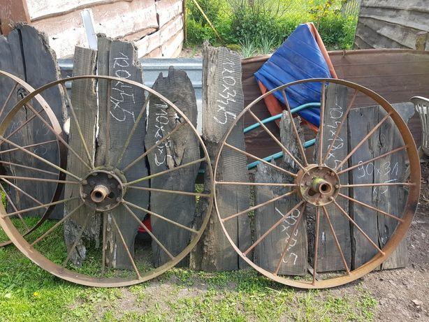 Kola metalowe do ogrodu lub ogrodzenia