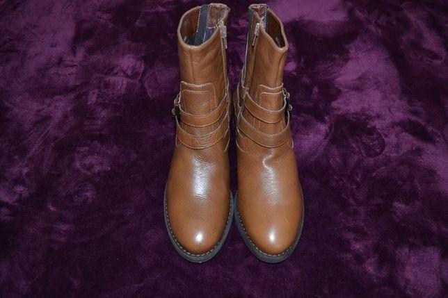 Якісні шкіряні чобітки р.39-40