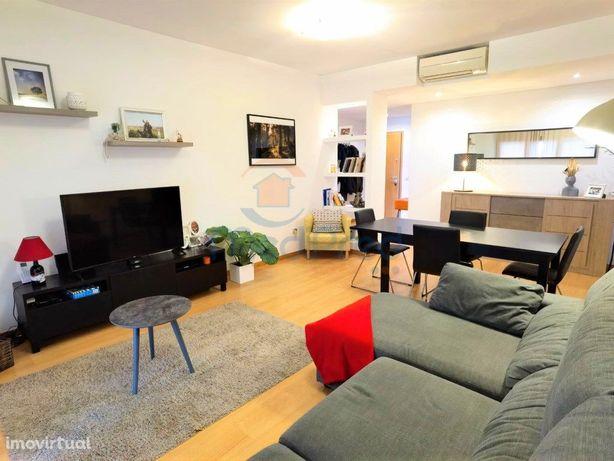 Apartamento T2 na Urb. Colinas do Cruzeiro com arrecadaçã...